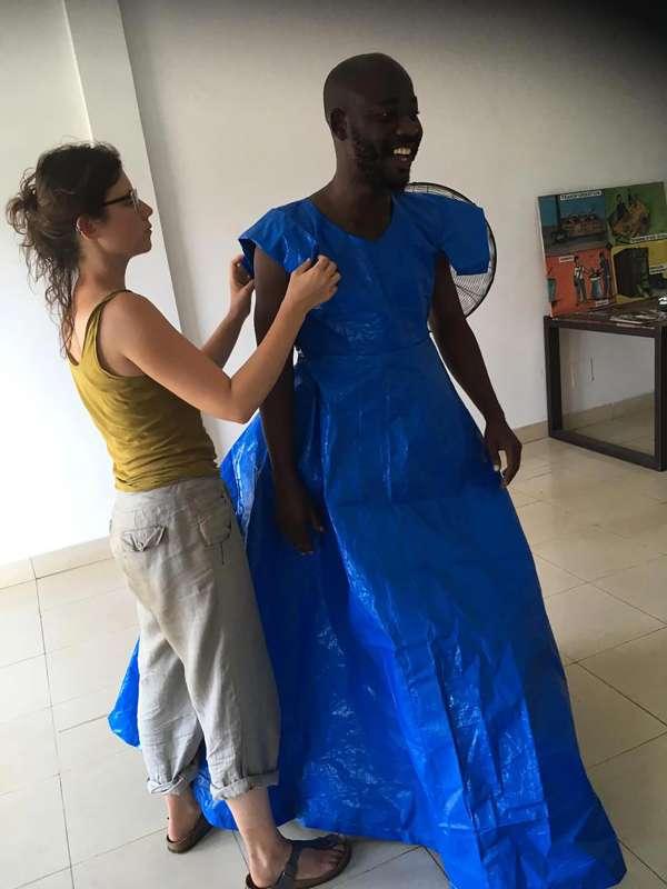 Milena Forest / Master / Création de costumes et dispositifs scéniques pour le festival Univers Des Mots / Guinée Conacry / 2019